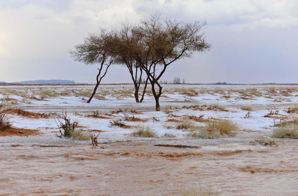 أمطار غزيرة وبرد على هذه المناطق