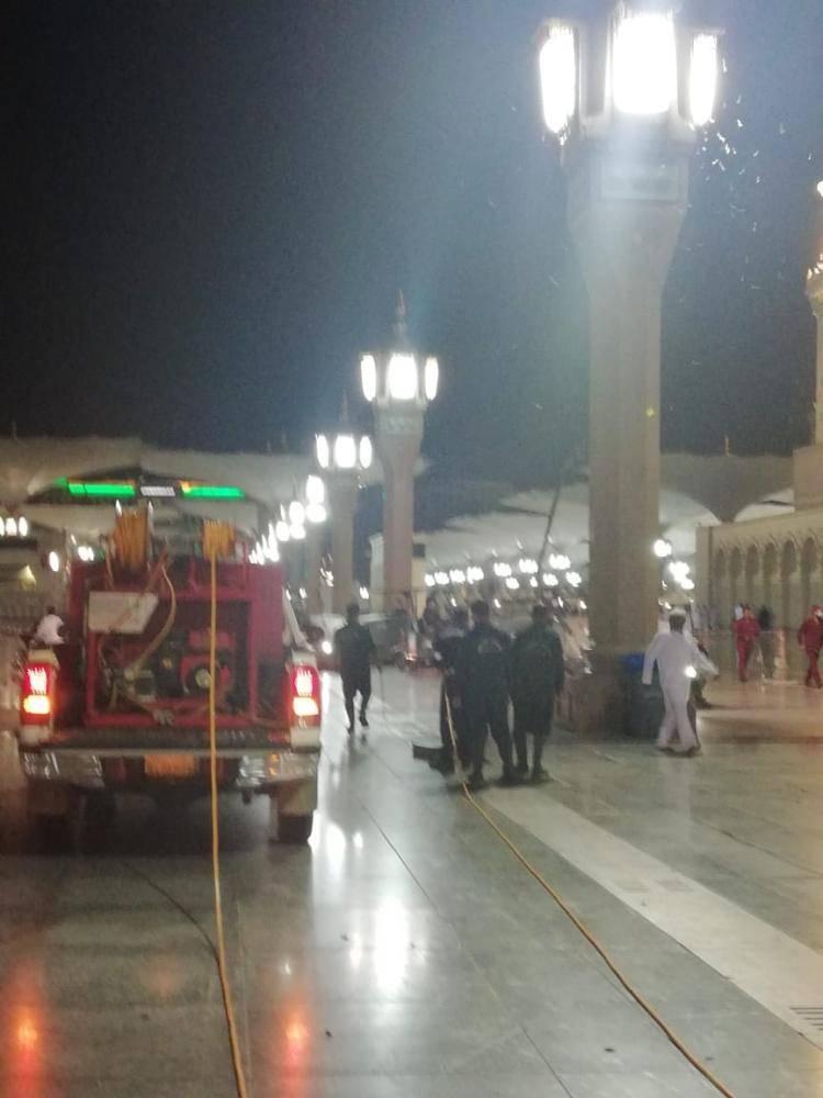 وكالة المسجد النبوي: إغلاق القباب وخفض الإضاءة.. و12 ماكينة لشفط الجندب