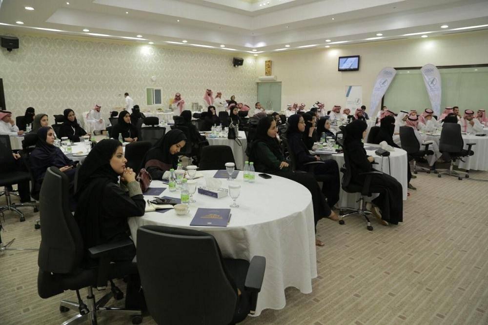 شباب «سلام» يتدربون على مهارات التعامل مع الإعلام الدولي