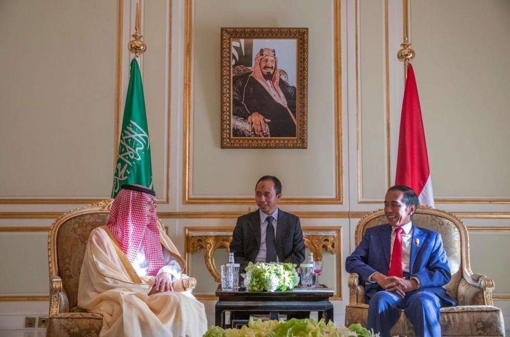 الجبير يبحث مع الرئيس الإندونيسي العلاقات الثنائية والموضوعات المشتركة