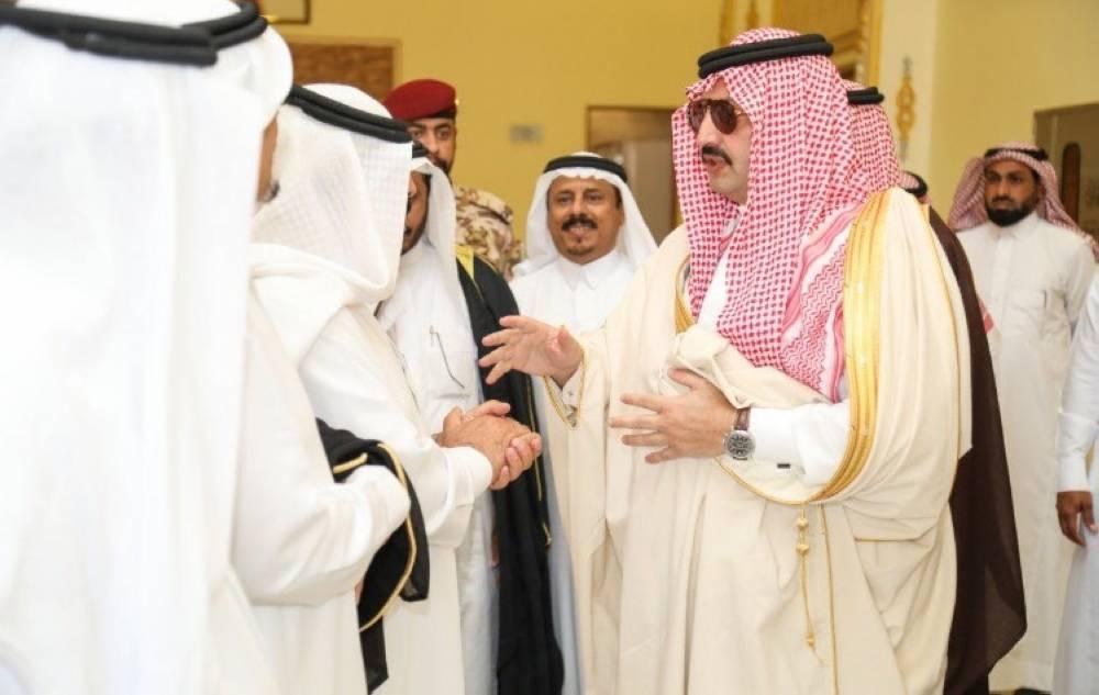 أمير عسير يتحدث إلى المواطنين