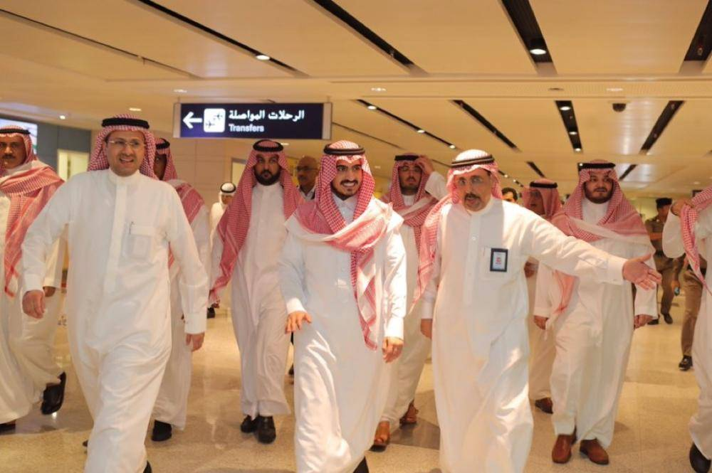 نائب أمير مكة يتفقد مشروع مطار الملك عبدالعزيز الدولي الجديد