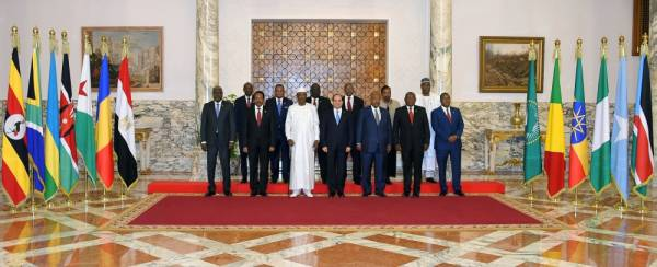 Egyptian President Abdel Fattah al-Sisi poses for a photo with heads of several African states during a consultative summit to discuss developments in Sudan and Libya, in Cairo, Egypt April 23, 2019 in this handout picture courtesy of the Egyptian Presidency. The Egyptian Presidency/Handout via REUTERS ATTENTION EDITORS - THIS IMAGE WAS PROVIDED BY A THIRD PARTY.