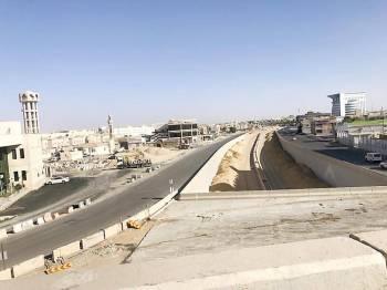 تقاطع طريق الأمير فيصل بن مشعل مع طريق الملك فهد. (عكاظ)