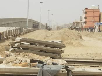 مشروع الجسر متعثر منذ 8 سنوات.