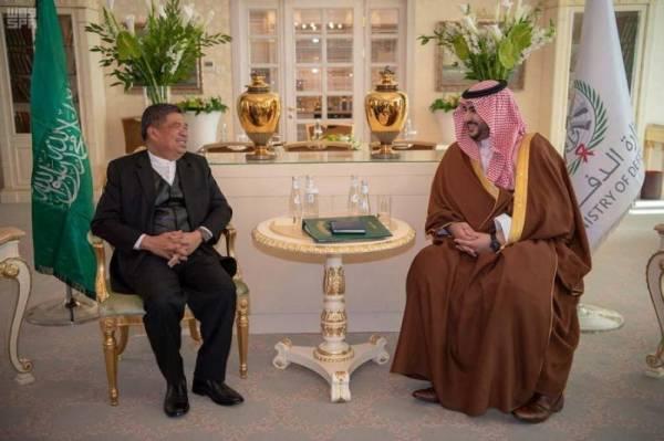 خالد بن سلمان يبحث مع وزير الدفاع الماليزي مجالات التعاون العسكري