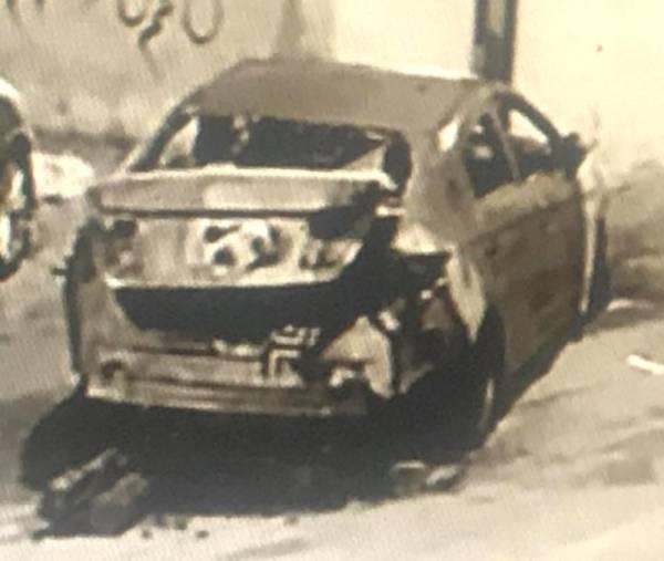 السيارة كما بدت بعد الحريق.