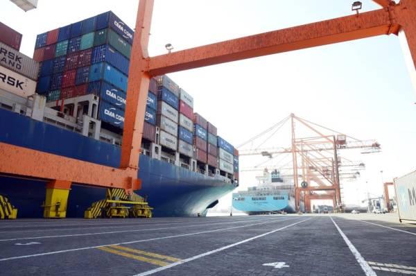 ميناء جدة يحقق نموا لافتا في عمليات مناولة الحاويات.