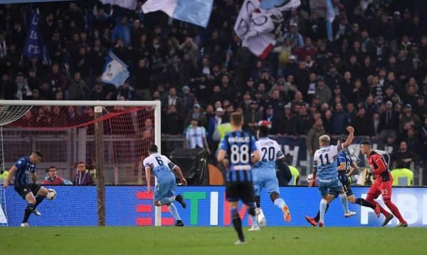 لحظة تسجيل الهدف الثاني للاتسيو