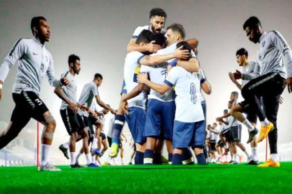 فريقا النصر والهلال يدخلان لقاءي اليوم لحسم بطل الدوري.