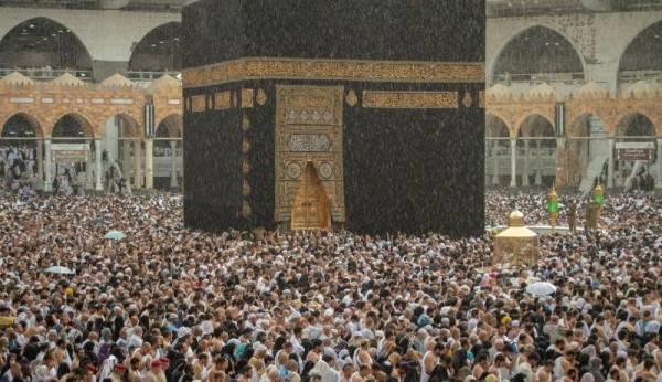 تحفها «دعوة إبراهيم» ويسقيها «الغيث».. مكة عصيّة على «صواريخ الحوثي»