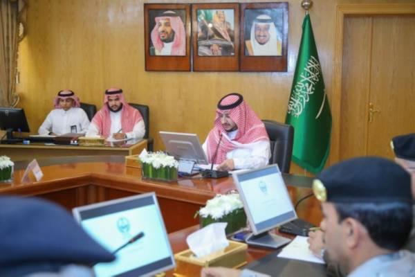 نائب أمير الجوف يُوجِّه بنصب لوحات عداد المشاريع ودعم المتعثرين