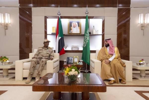 ولي العهد يبحث مستجدات الأحداث مع نائب رئيس المجلس الانتقالي السوداني