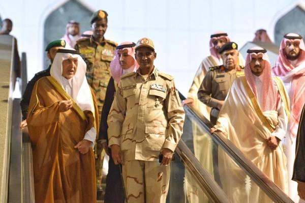 نائب رئيس المجلس الانتقالي السوداني يغادر جدة