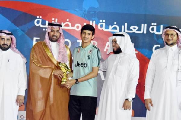 حسين ودعاني من فريق المستقبل.