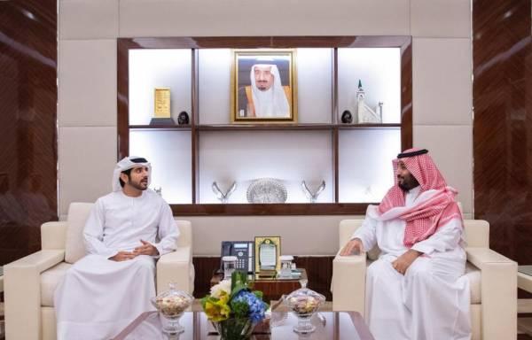 محمد بن سلمان يستعرض مع ولي عهد دبي العلاقات التاريخية وفرص تطوير التعاون