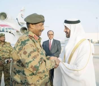 محمد بن زايد مرحباً بالبرهان في أبوظبي.