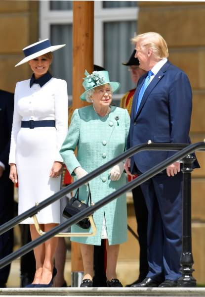 U.S. President Donald Trump and First Lady Melania Trump meet with Britain's Queen Elizabeth at Buckingham Palace, in London, Britain, June 3, 2019. REUTERS/Toby Melville/Pool
