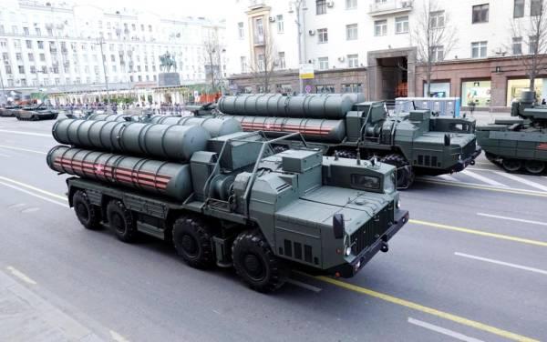 منظومة صواريخ إس 400 الروسية .