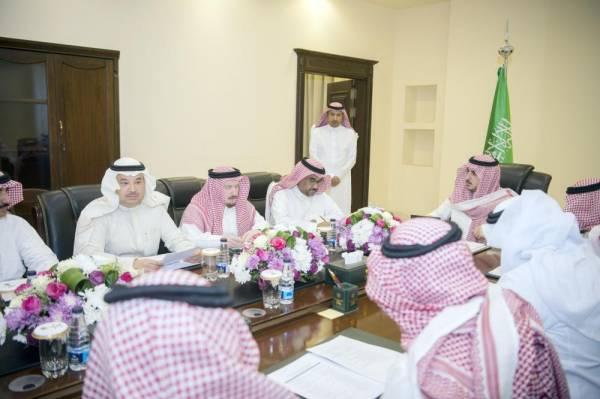 أمير الجوف مترئسا اجتماع اللجنة التنفيذية للإسكان التنموي بالمنطقة.