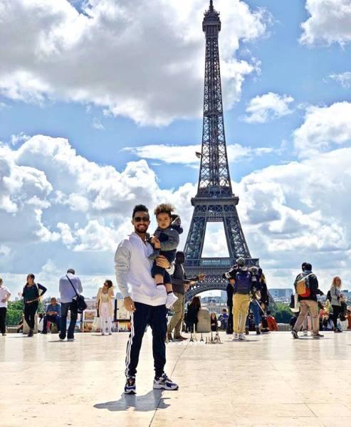 لقطة لهتان باهبري برفقة ابنه سلطان في باريس.