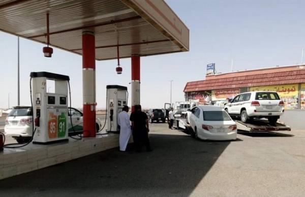 بسبب البنزين المخلوط.. إلزام محطة وقود بإصلاح السيارات