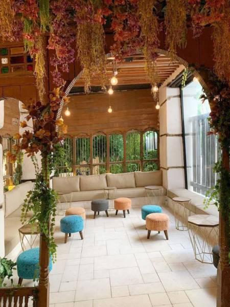 مطعم «كاتش» في قلب جدة التاريخية.