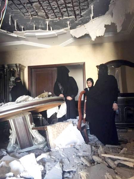 المنزل كما بدا بعد انهياره.