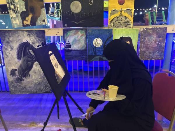 شارع الفن في حائل.. فنانات يعدن بهجة الحياة