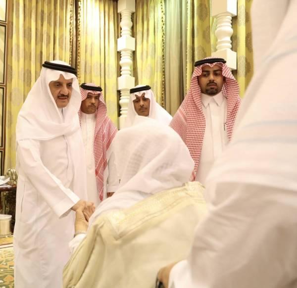في ثاني أيام العزاء.. دبلوماسيون ومواطنون يعزون في والدة الأمير سعود بن نايف
