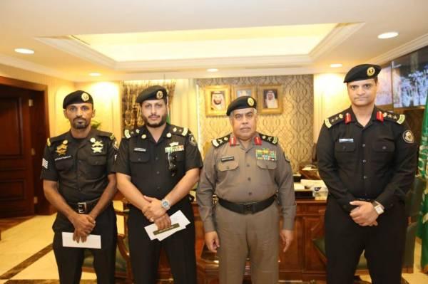 «شرطة مكة» تكرم رجال أمن كشفوا عدداً من القضايا الجنائية