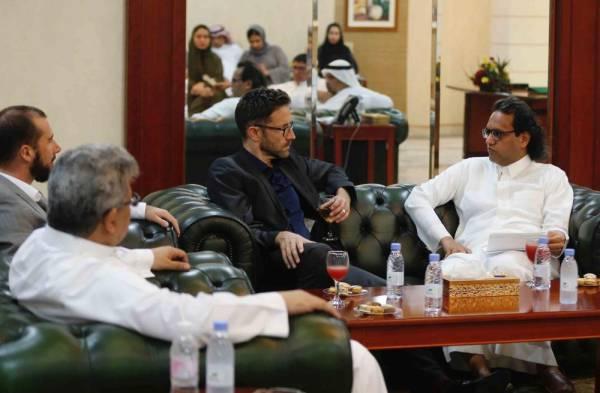 «كاوست» تزور صحيفتي «عكاظ» و«سعودي جازيت»