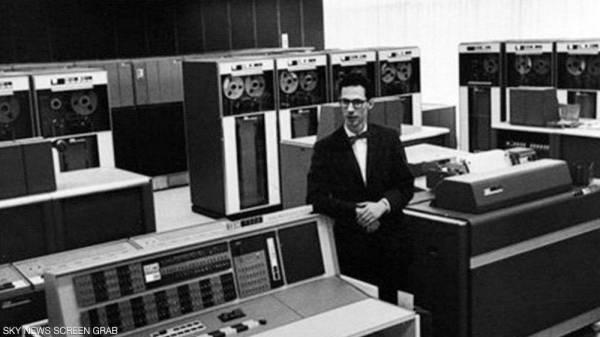 «أبو الكمبيوتر» يفارق الحياة عن 93 عاما