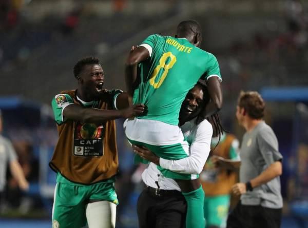 بـ«نيران صديقة».. تونس تزف السنغال إلى نهائي «أمم أفريقيا»