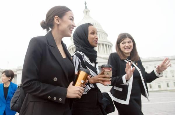 ماي تنتقد ترمب: لغته عن عضوات في الكونغرس «غير مقبولة بالمرة»