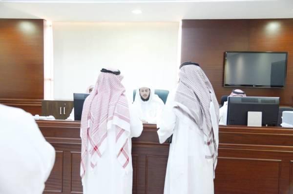 «العدل»: «الشاي» و«القهوة» ممنوعة في مكاتب المحاكم