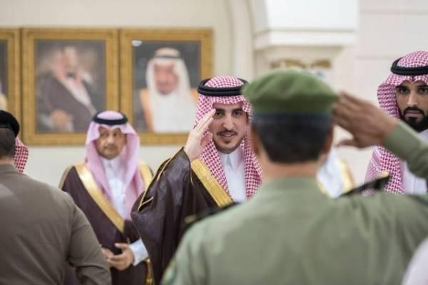 «أمير الجوف» يستقبل الأهالي والمسؤولين بالمنطقة
