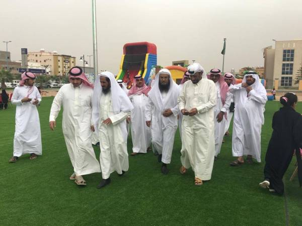 أعضاء رابطة عسير الخضراء يزورون «وادي بن هشبل»