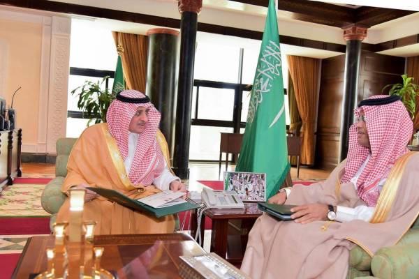 فهد بن سلطان يطلع على تقرير القبول بـ«جامعة تبوك»