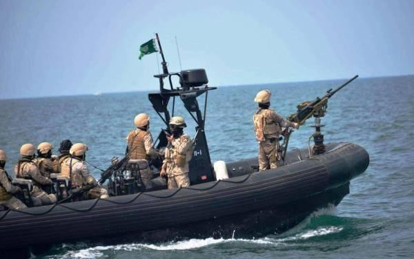 البحرية السعودية تنقذ مدمرة بريطانية من زورق إيراني «مفخَّخ»