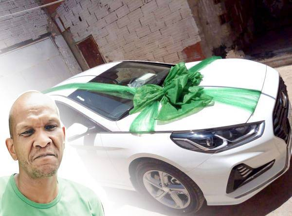 سيارة تنهي أزمة عبدالمجيد