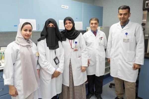 الفريق البحثي في المختبر العلمي