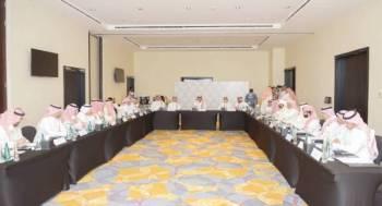 اجتماع رئيس هيئة الرياضة برؤساء الأندية قبيل انطلاق المؤتمر.