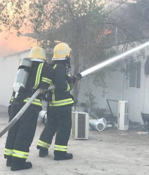 المدينة: إخماد حريق ورشة أجهزة كهربائية