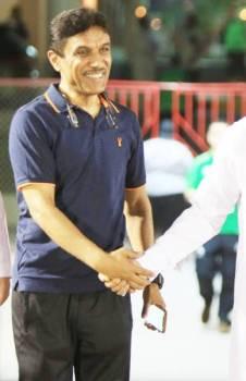 عمر باخشوين