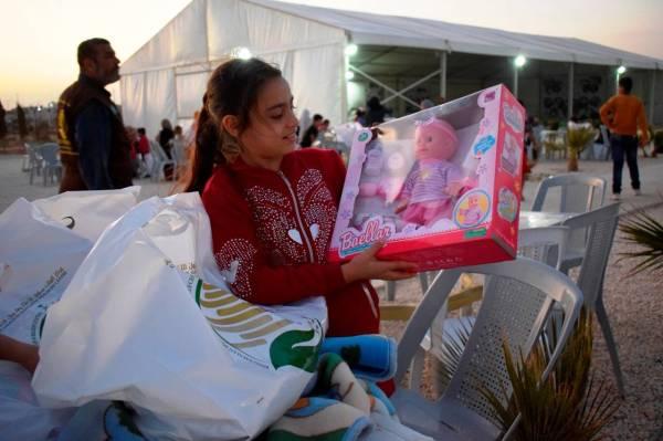 «سلمان للاغاثة» بالأردن يختتم توزيع كسوة العيد والألعاب لأيتام الزعتري