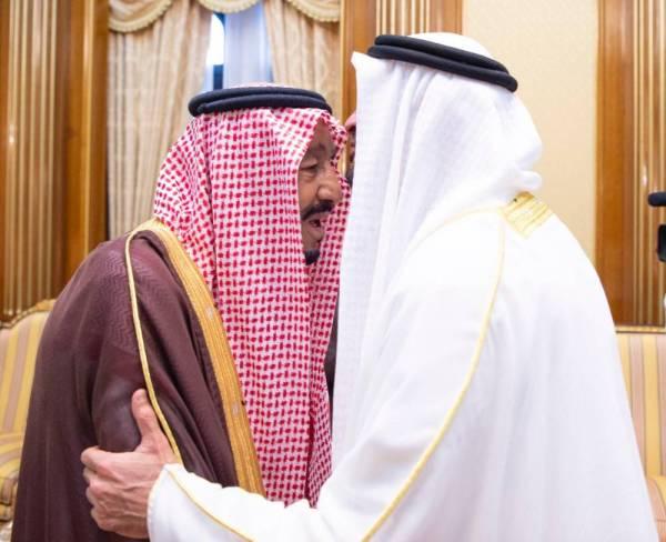 خادم الحرمين يبحث مع ولي عهد أبوظبي الجهود المبذولة تجاه الأوضاع اليمنية