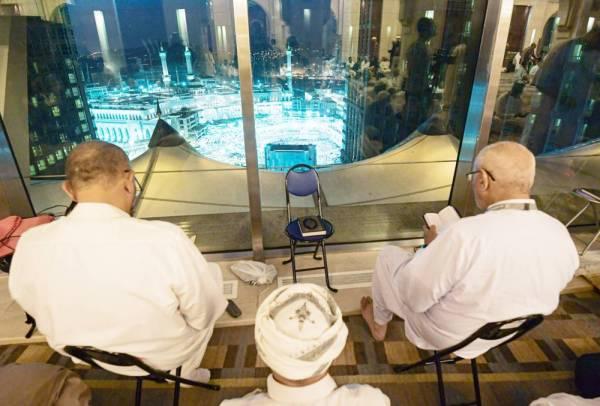 فنادق مكة المطلة على الحرم تشهد إقبالا كثيفاً على مدار العام.