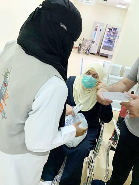 متطوعات مشاركات في «أنا صحي».