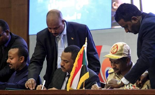 الأمين العام لمجلس التعاون يرحب باتفاق المرحلة الانتقالية في السودان
